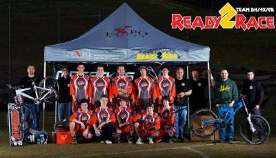 Il nuovo team Ready2Race al completo
