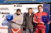 Roberto Vernassa con il vincitore assoluto Klausmann e lo junior Barrett